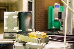 Ultra-Small-Angle Neutron Scattering Instrument (USANS)