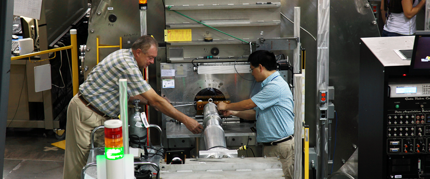 Loading a Sample at CG-2