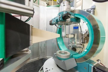 Researchers performed single-crystal neutron diffraction using the HB-3A four circle diffractometer to confirm the first intrinsic ferromagnetic topological insulator. Credit: Genevieve Martin/ORNL, U.S. Dept. of Energy