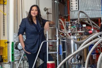 ORNL's Clarina dela Cruz uses the lab's neutron scattering facilities to examine quantum materials. Image credit: Carlos Jones, ORNL